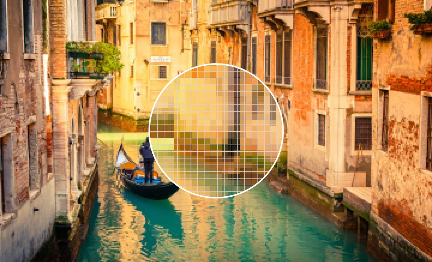 4K Ultra HD image vs Full HD image of a venetian canal