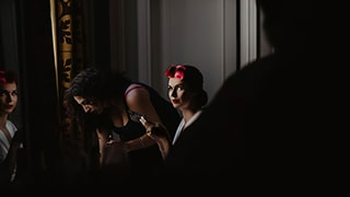david-bastianoni-sony-alpha-7III-bride-catches-photographers-eye-as-she-applies-her-make-up