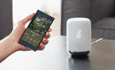 Smartphone connecting via Bluetooth