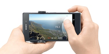 Picture of DSC-QX30 Lens-style Camera with 30x Optical Zoom