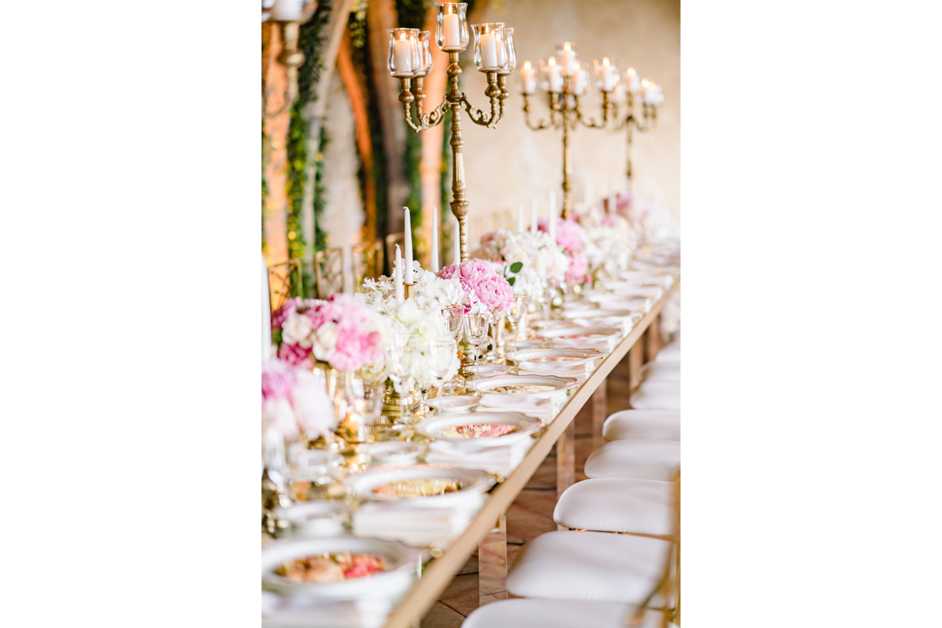sandra aberg sony alpha 7r3 view of the richly decorated wedding table with a focus on candles