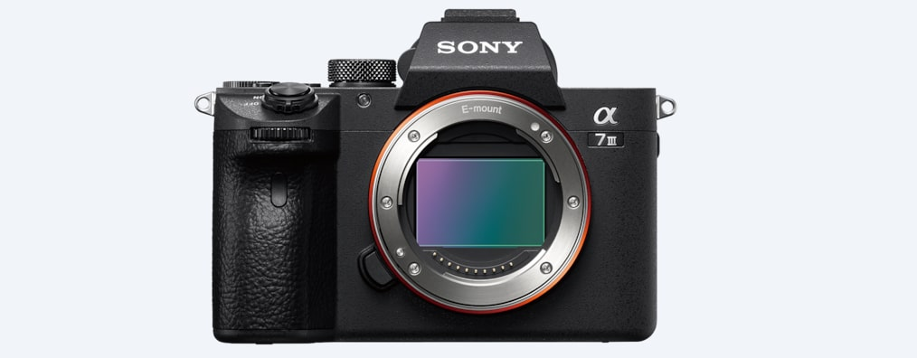 Sony α7 III with 35mm full-frame image sensor