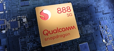 Qualcomm® Snapdragon™ 888 5G Mobile Platform chip on a circuit board