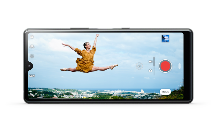 Xperia L4 showing image of leaping dancer