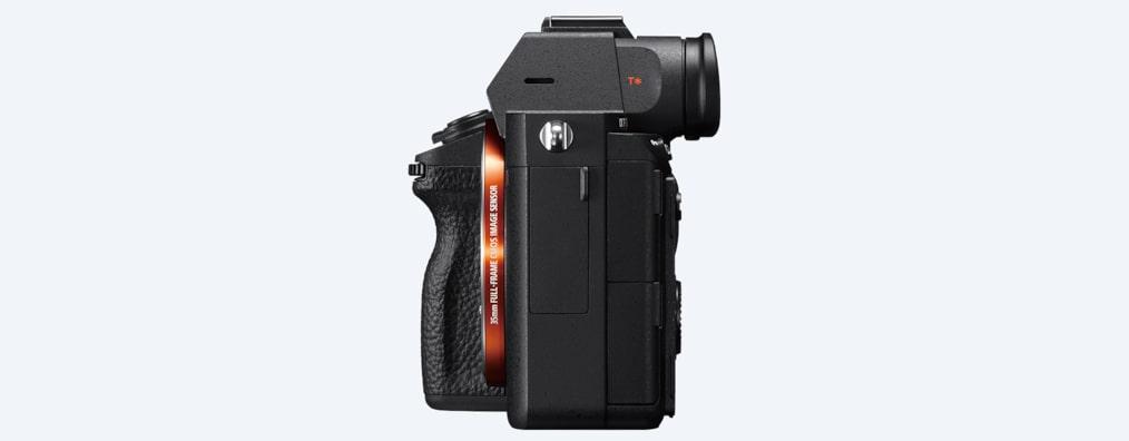 α7R III 35mm Full-Frame Camera with Autofocus | ILCE-7RM3 | Sony UK