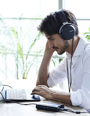 Image of a man listening music with PHA-3